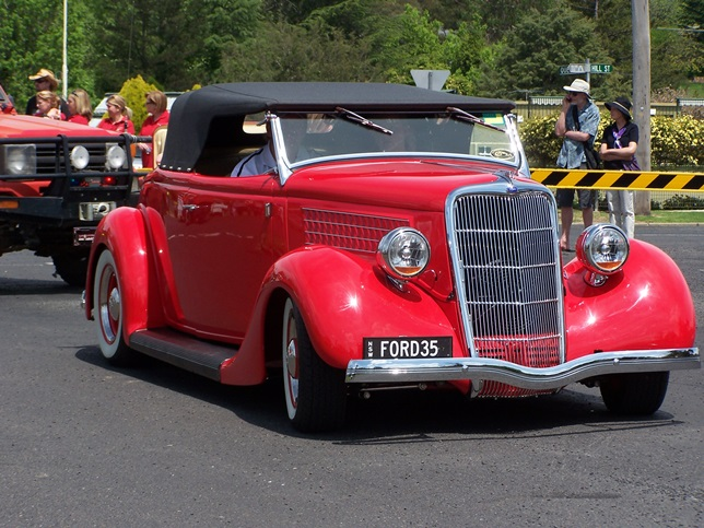 Red Ford 35